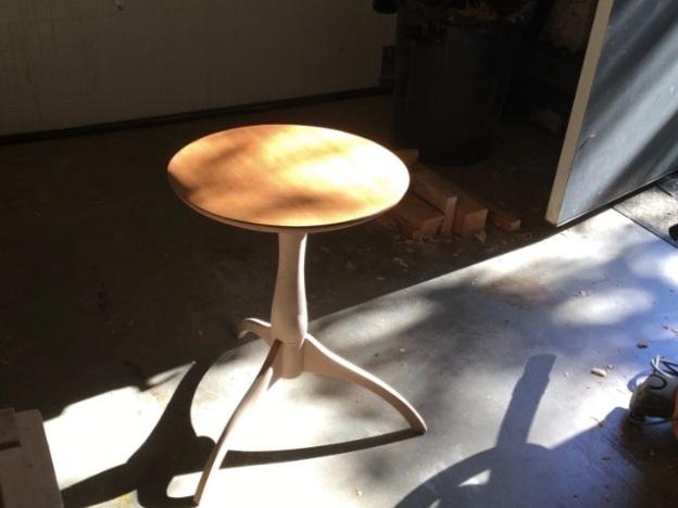 Shaker Pedastal Table